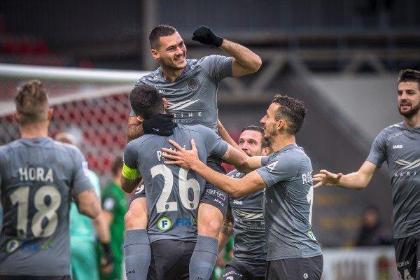 «Рига» против «Метты» забивает пять голов